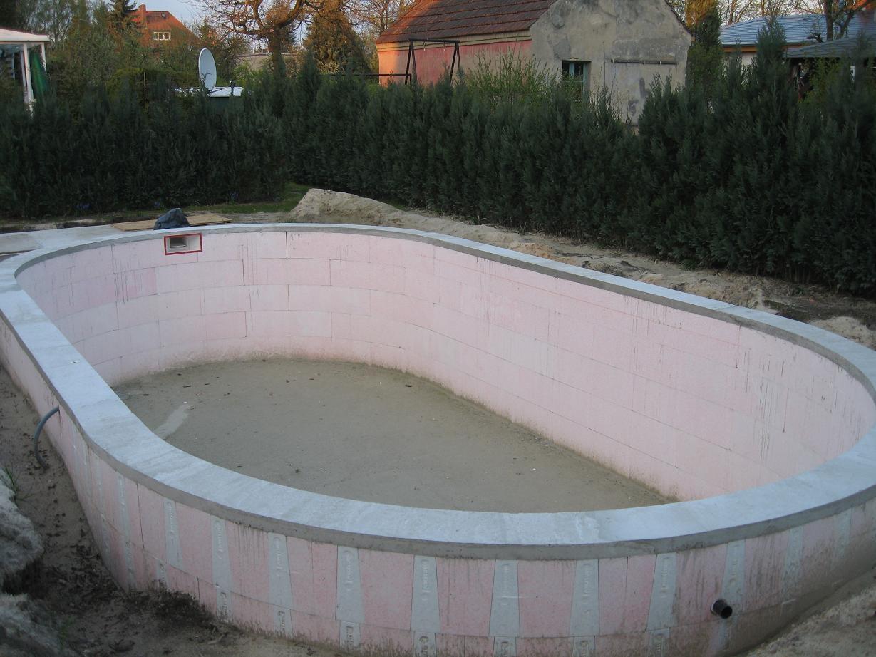 Styropor Schwimmbecken Bausatz Oval 700x350 Cm, Tiefe 150cm